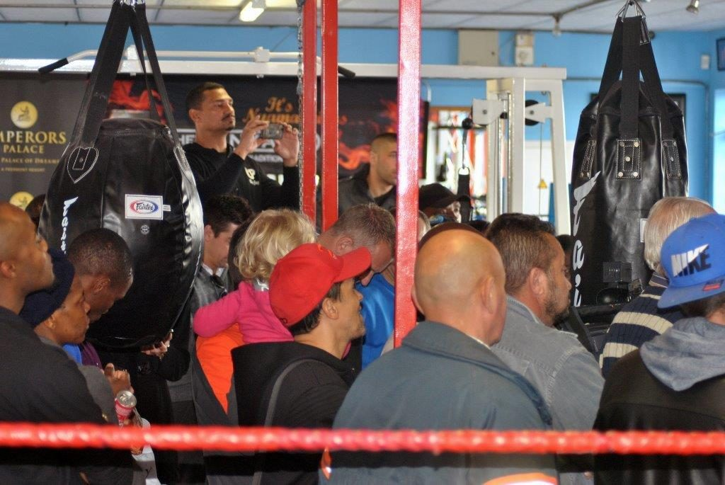 PRESS CONFERENCE HOT BOX GYM 6